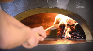 Video tutorial: come accendere il forno a legna