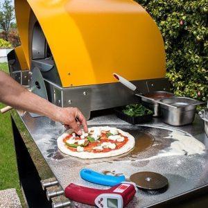 Hacer una pizza casera: 4 consejos para un trabajo bien hecho.