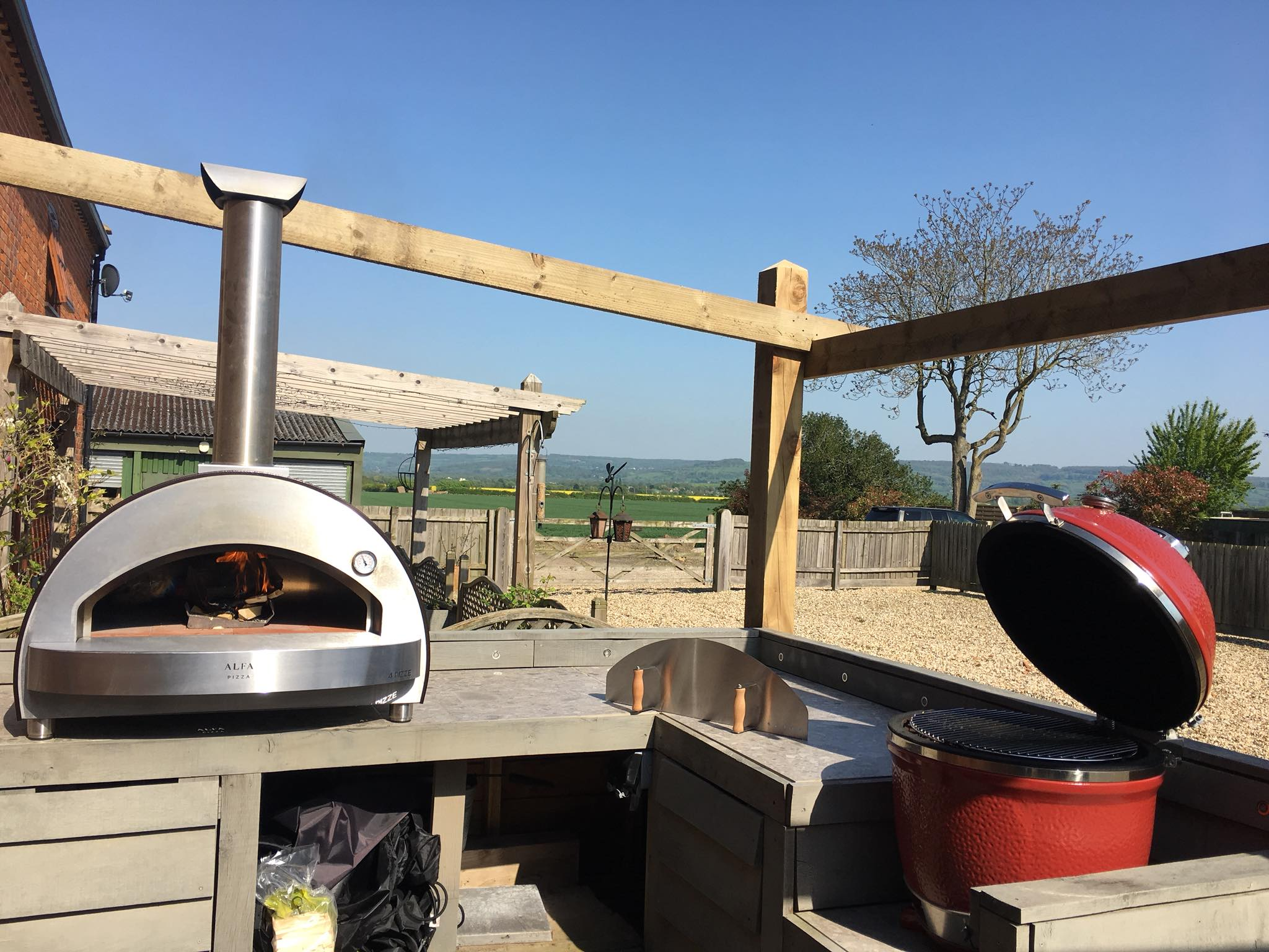 4-pizze-top-wood-fired-pizza-oven