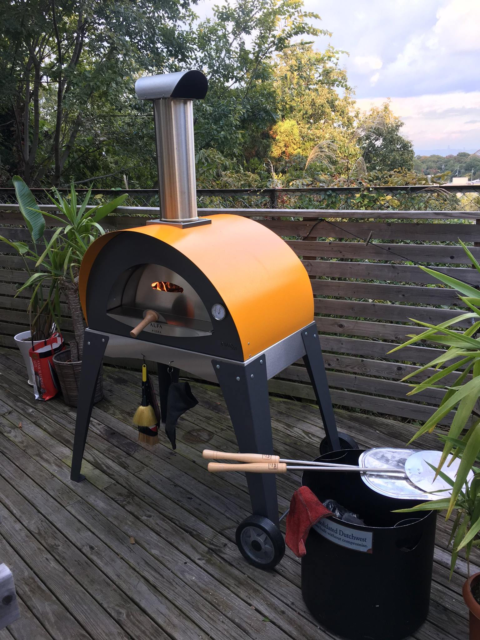 ciao-yellow-pizza-oven