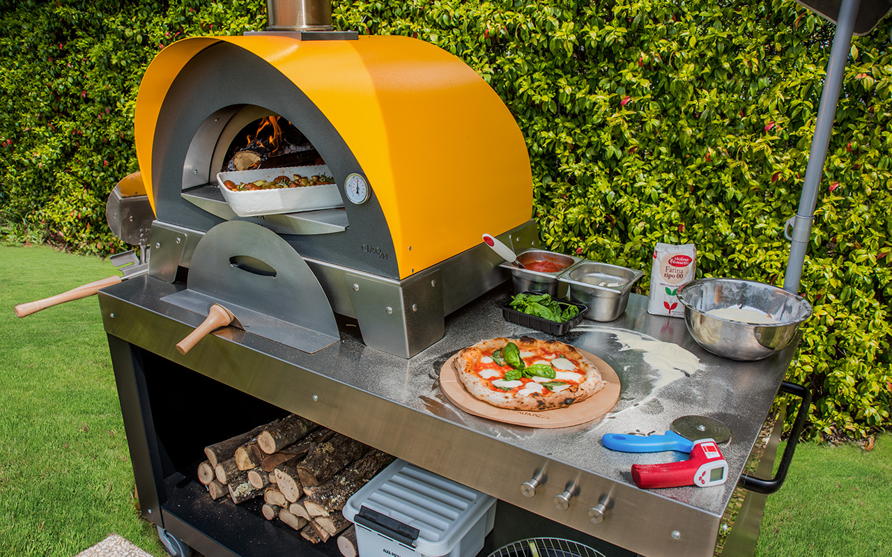 multi-functional-base-and-ciao-pizza-oven-wood-fired-oven-1