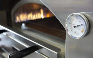 Stainless-steel and refractory wood-fired oven: Alfa's innovation turns 10.