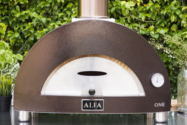 one-outdoor-pizza-oven-door