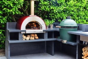 The key features that the best wood-fired pizza ovens should have.