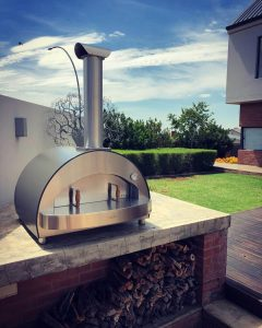 Wood-fired pizza ovens: 5 reasons to choose alfa for your home