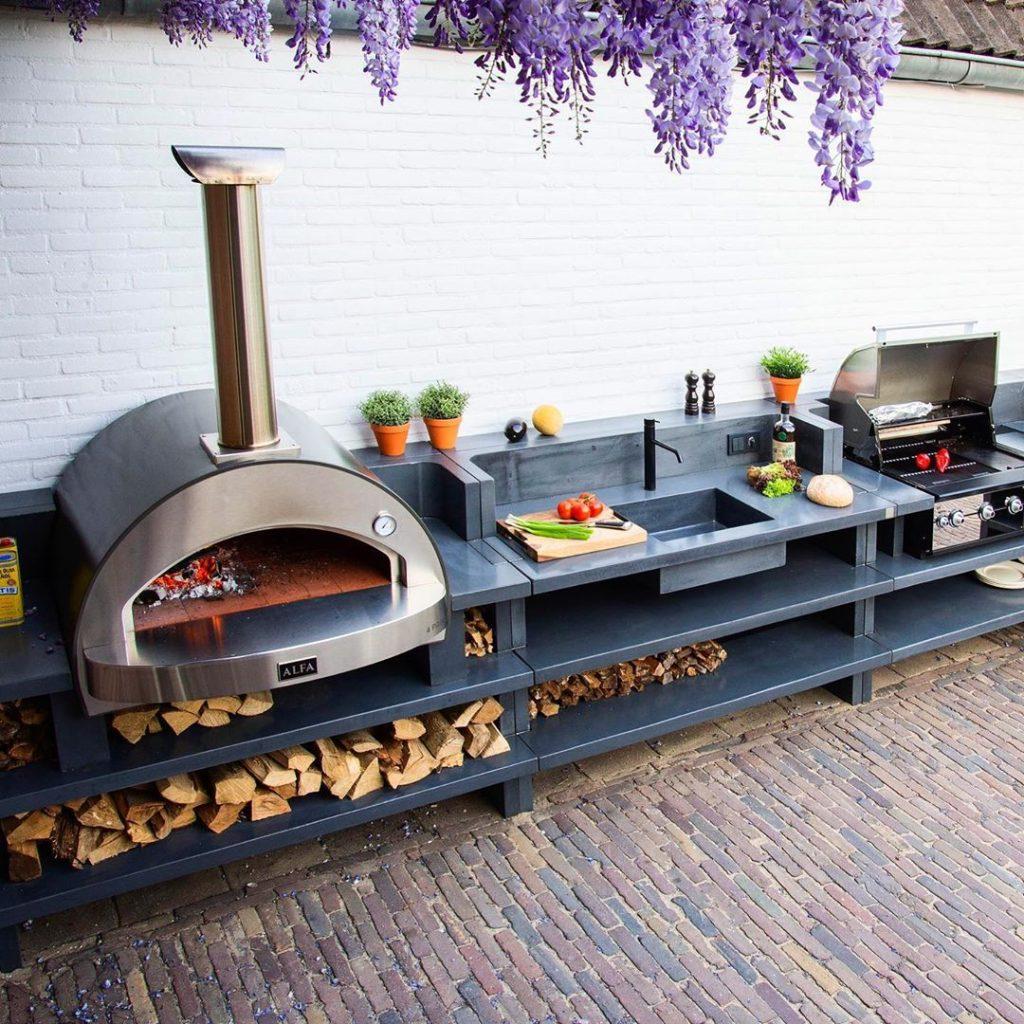 9 Beautiful Outdoor Kitchen Ideas for Summer 9   Alfa Forni